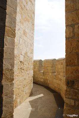 Camminamento sul tetto della Chiesa fortificata di Les Saintes Maries de la Mer
