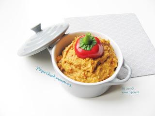 Snel hummus recept met paprika
