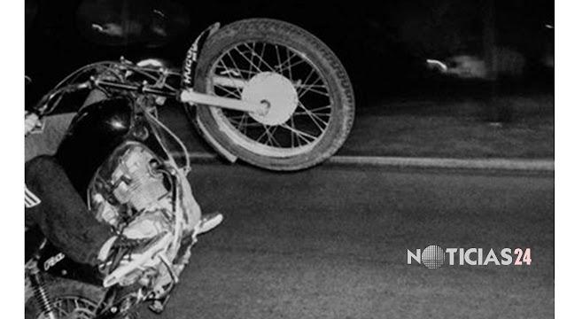 Adolescente de 16 años murió al caer al pavimento desde el asiento trasero de una moto