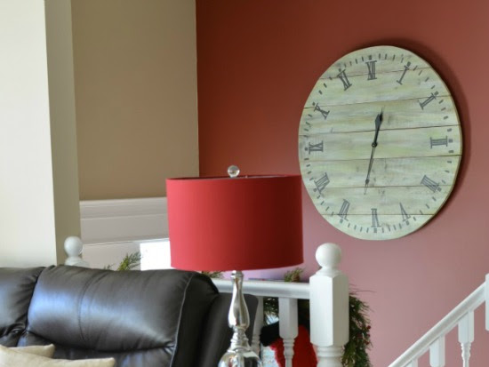 Large Pallet Wood Clock (Guest Post) and Announcement