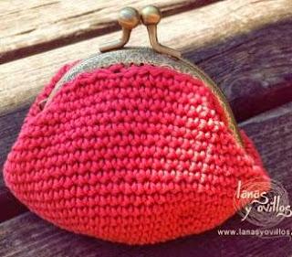 http://lanasyovillos.com/accesorios/monedero_cierre_metalico