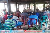 Satuan Binmas Polres Pinrang Tingkatkan Peran Siskamling Melalui Penyuluhan Kamtibmas
