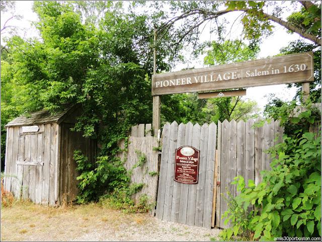 Entrada a Pionner Village, Salem