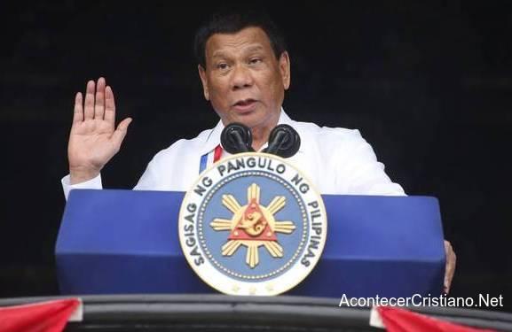 Rodrigo Duterte habla de Dios