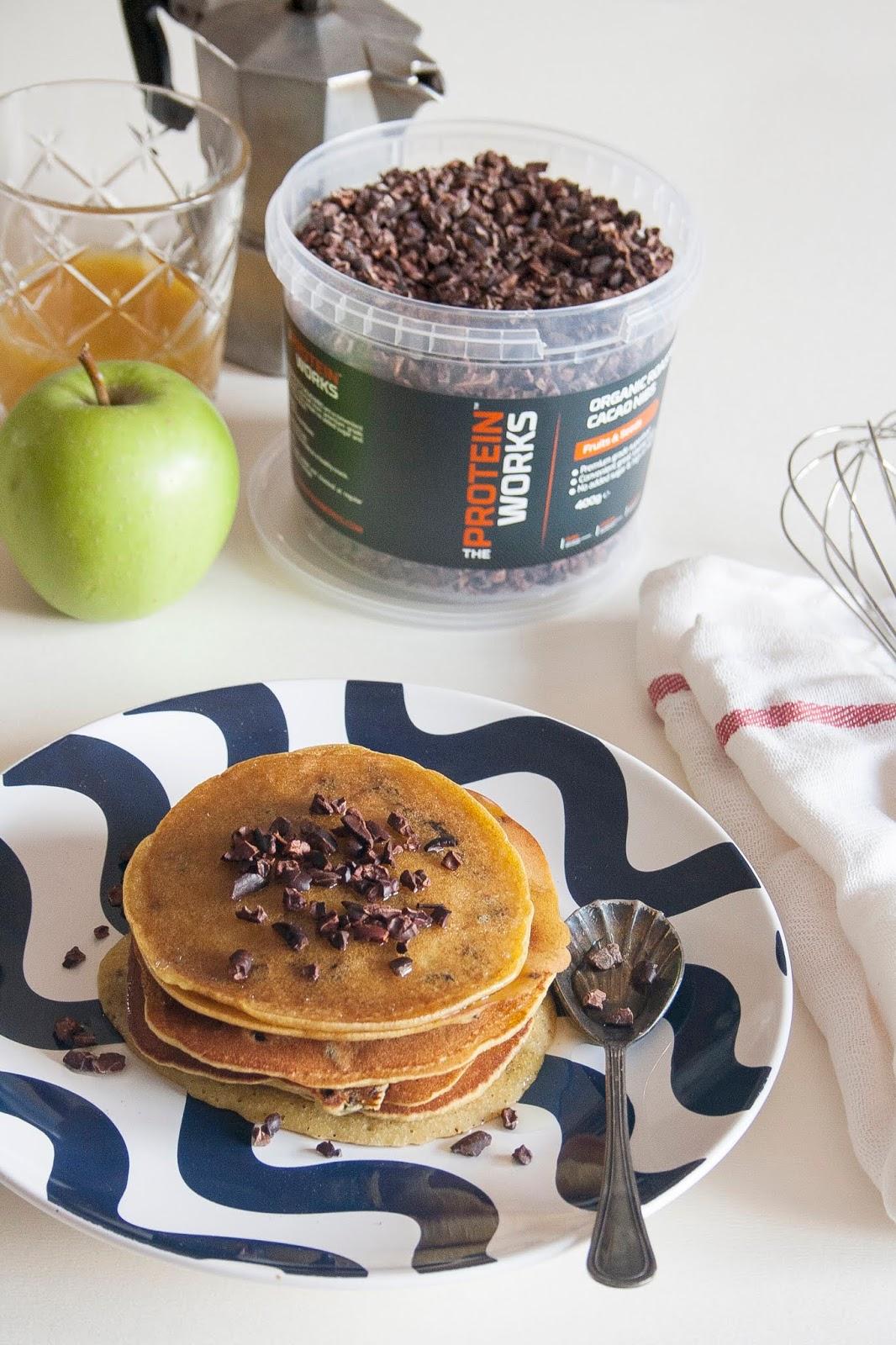 Pancake senza glutine con fave di cacao