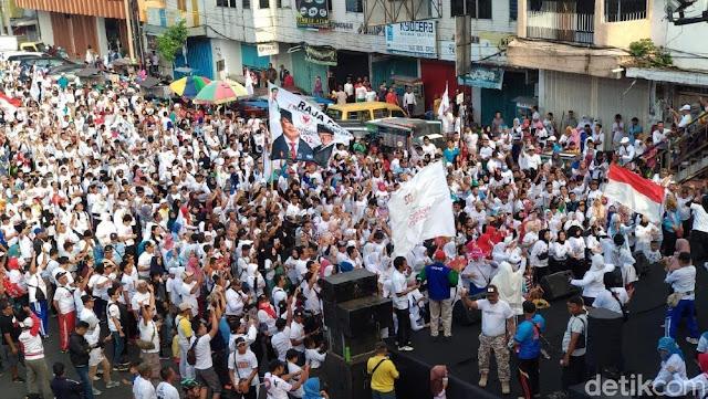 'Naik-naik Prabowo-Sandi Turun-turun Jokowi' Menggema di Jember