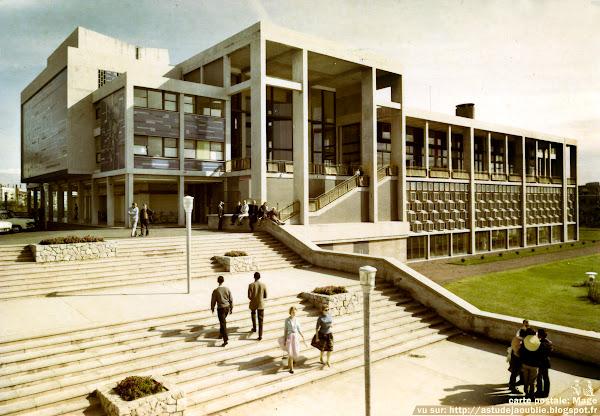 Boulogne-sur-Mer - Le Casino  Architectes: Pierre Sonrel, Marcel Bonhomme  Façades en mosaïque de céramique (Céralux): Françoise Lelong (1925-1961)  Projet: 1951 - Construction: 1959  Destruction: 1987