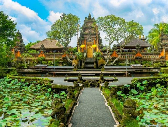 Kementerian Pariwisata meluncurkan 'Bali Hot Deals' untuk menarik wisatawan asing