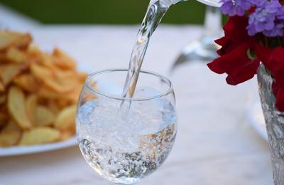 Air Mineral Jauh Lebih Sehat Dari Air Biasa?