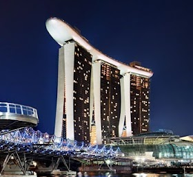 Singapore 3D2N <br/>Rp 2,500,000