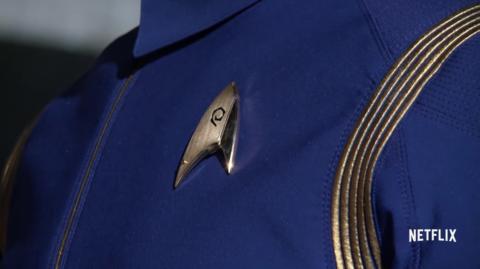 Particolare delle uniformi indossate nella nuova serie Star Trek Discovery - TG TREK: Notizie, Novità, News da Star Trek