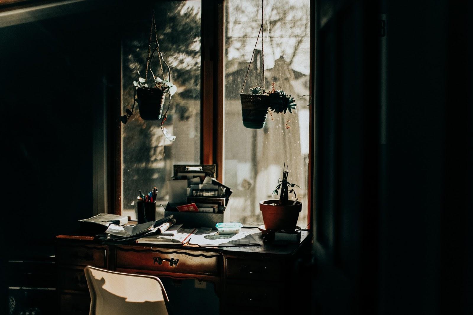 moody office photography by zoe alexandriah