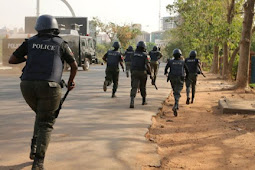 Shock As Lagos Policemen Torture Two Nigerian Journalists For Covering #EndSARS Protests