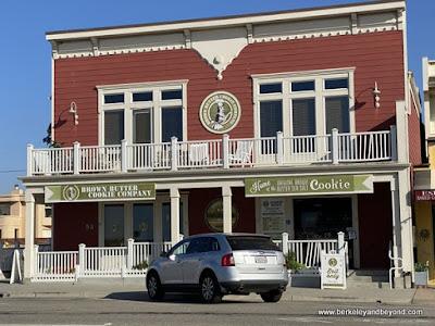 exterior of Brown Sugar Cookie Company in Cayucos, California