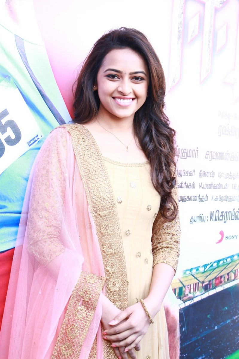 Actress Sri Divya Photos: Actress Sri Divya Latest Cute Stills