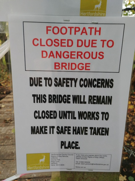 Sign posted to the footbridge on Essendon footpath 16 Image by North Mymms News released via Creative Commons BY-NC-SA 4.0
