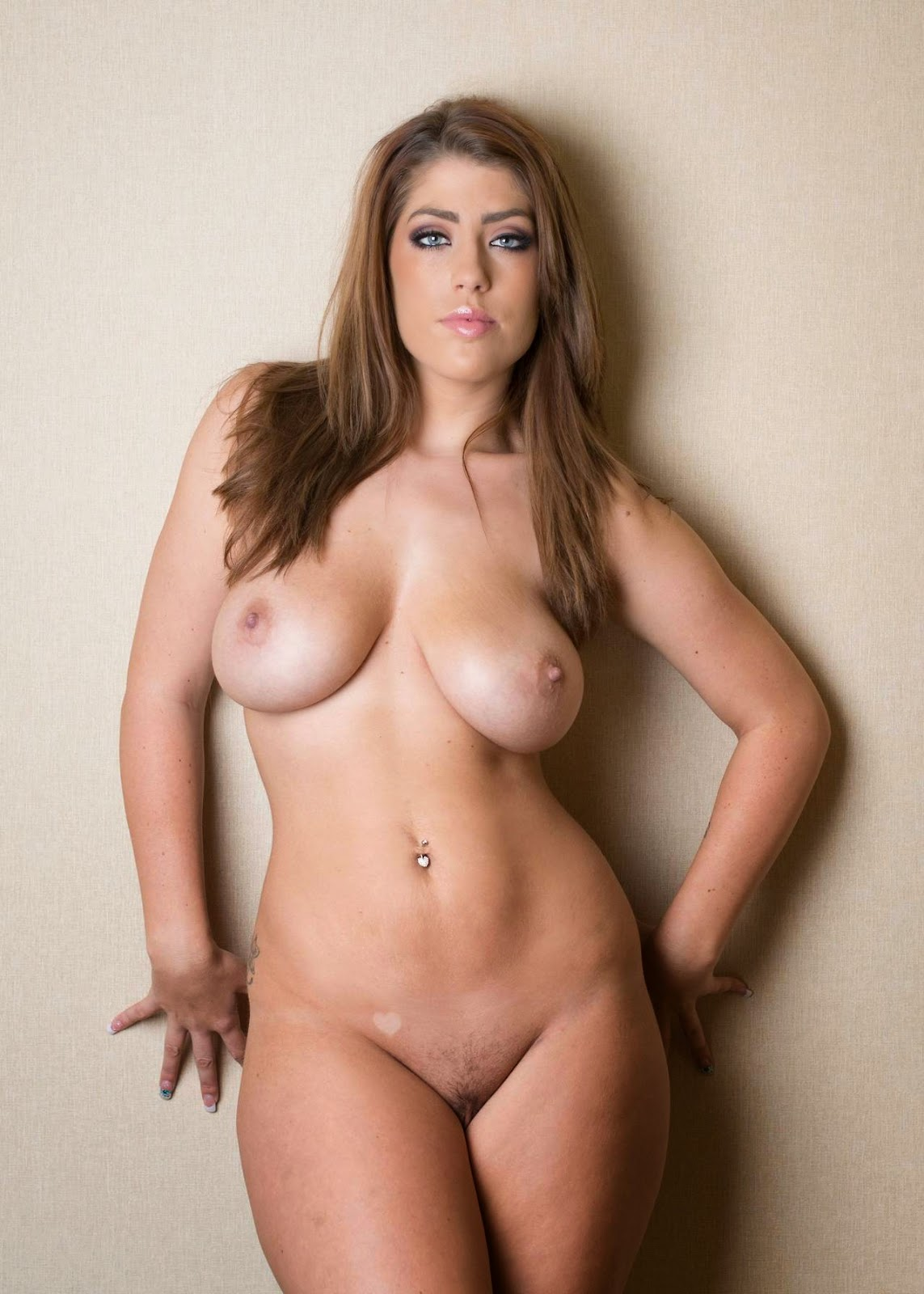 jean pussy Emily nude