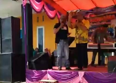 Ciwel dan Tampan Hibur Alumni SMP Negeri 14 Padang