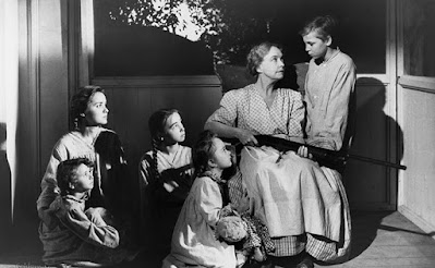 The Night of the Hunter - Lillian Gish and Kids