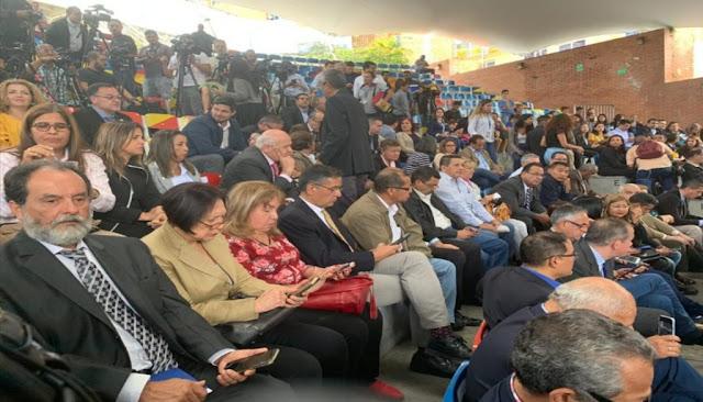 Guaidó sesionó en el anfiteatro de El Hatillo con 92 diputados