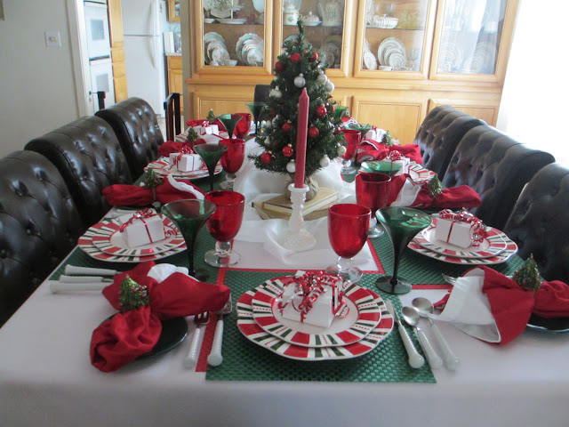The Welcomed Guest Twas The Night Before Christmas Table