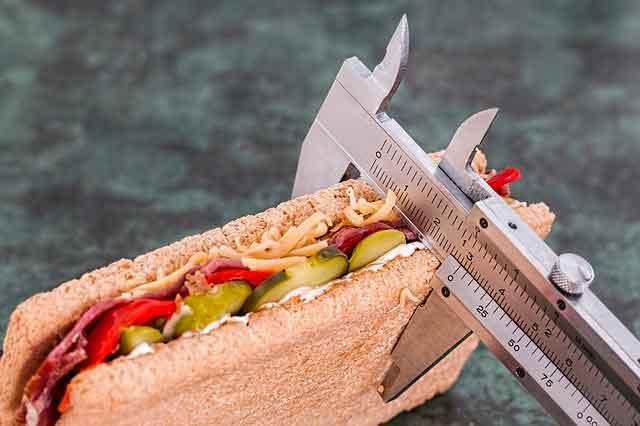 للتحكم في كمية الطعام لفقدان الوزن