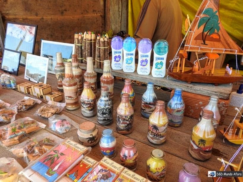 Artesanato com areias coloridas em Morro Branco e Praia das Fontes - Tour 3 Praias