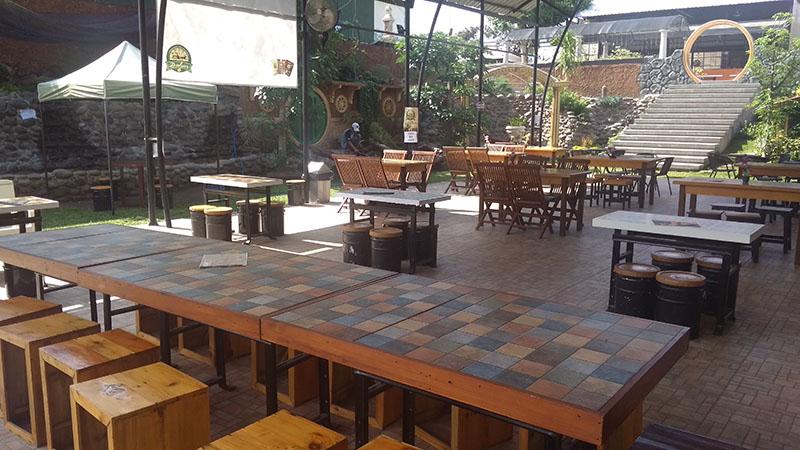 Cafe tempat penukaran kopi dan beli makanan