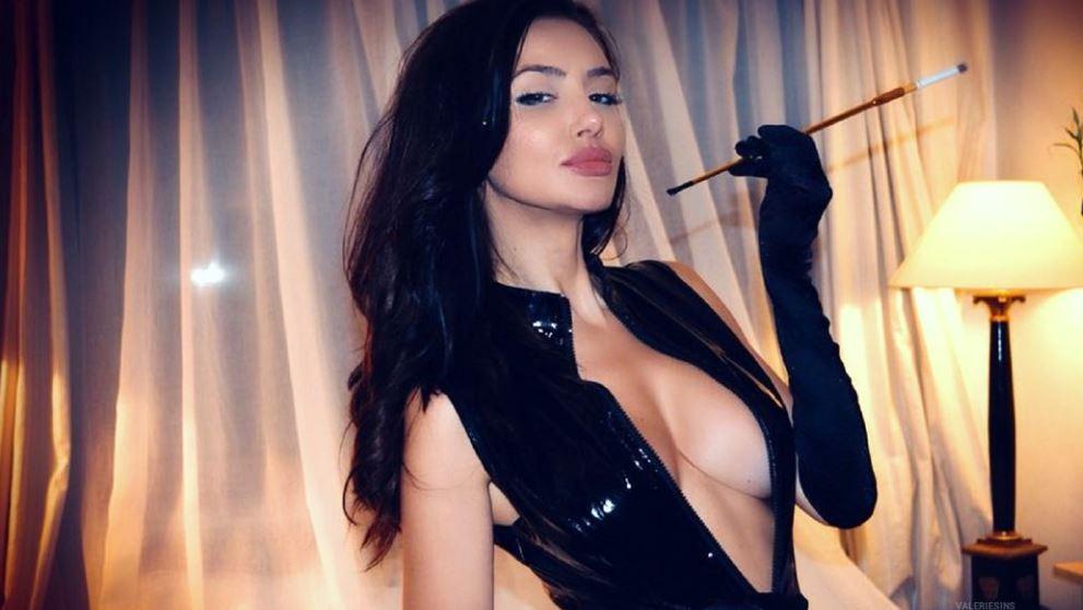 ValerieSins Model GlamourCams