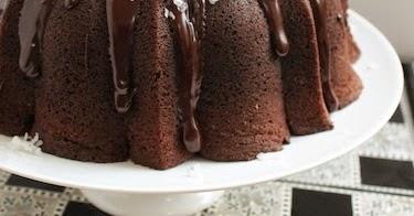 Dark Chocolate Macaroon Bundt Cake