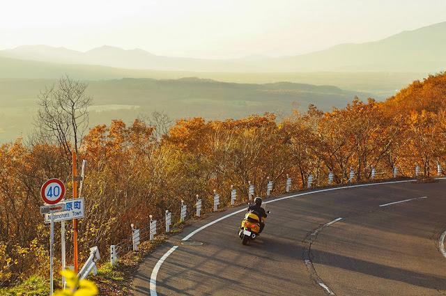 オールドレンズ,夕陽,バイク,紅葉