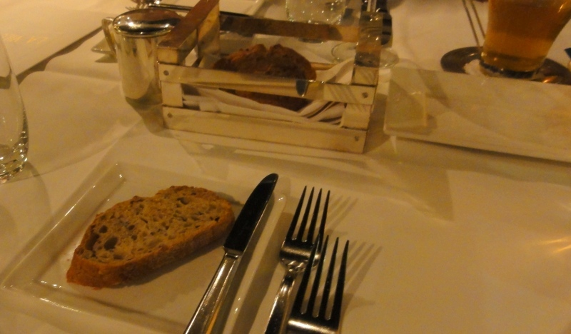 La vilette restaurant Rotterdam warm crispy bread