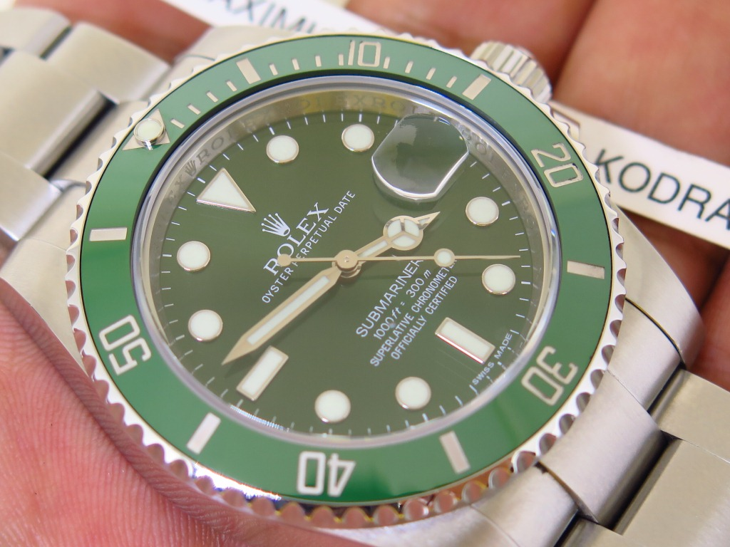ROLEX SUBMARINER GREEN DIAL CERAMICS - ROLEX 116610LV aka HULK SUBMARINER - RANDOM 2013