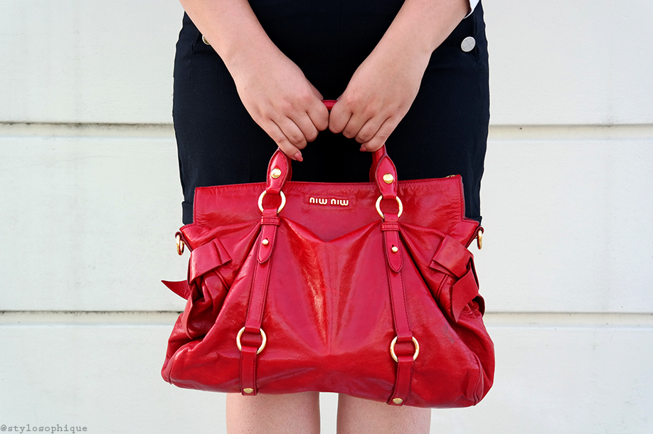 Iris Tinunin, Curvy, Shorts, miu miu, red patent lather, bow bag