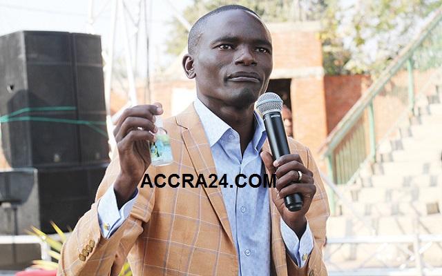 """Zimbabwean Pastor, Paul Sanyangore """"Calls God On Mobile Phone"""" [Video]"""