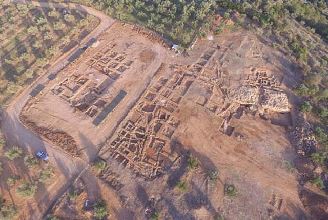 Monumental palace at Iklaina rewrites ancient Greek history