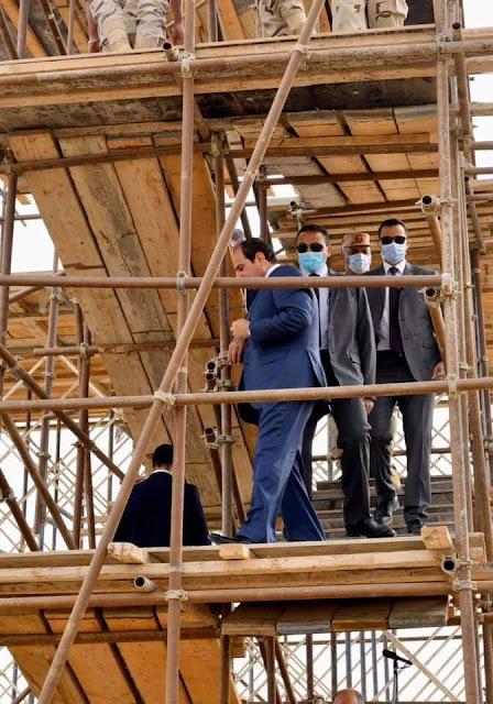 السيسي يتفقد عددا من المشروعات الإنشائية بالعاصمة الإدارية الجديد