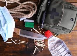 elementos esenciales para sobrevivir en un desastre