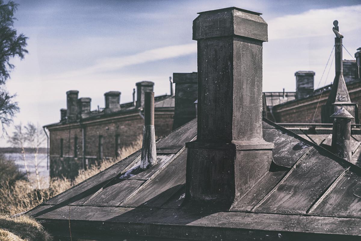 Suomenlinna, Helsinki, Sveaborg, visithelsinki, island, saari, Visualaddict, valokuvaaja, Frida Steiner, photographer, visualaddictfrida, tourism, worthvisiting, rooftop, kattojen yllä, katto, katot, over the rooftop