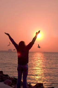A hála megváltoztatja a rezgésünket