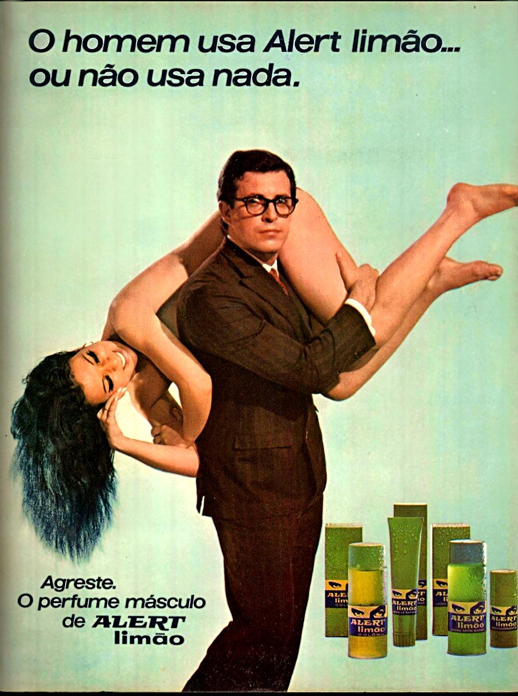 Campanha do Perfume Alert limão onde um homem carrega uma mulher nua nos seus ombros