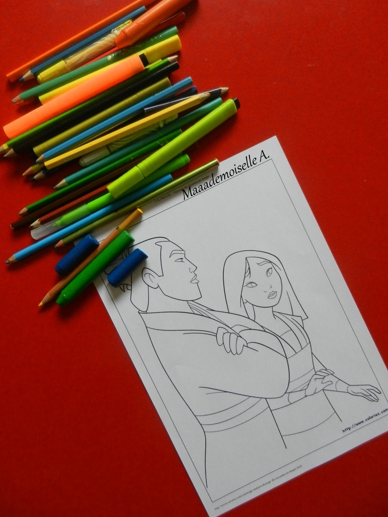 Maaademoiselle A Activite Coloriage Ses Heros Preferes