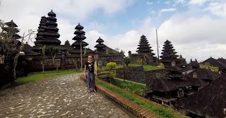 Templo Madre Besakih o Pura Agung Besakih de la Isla de Bali, Indonesia.