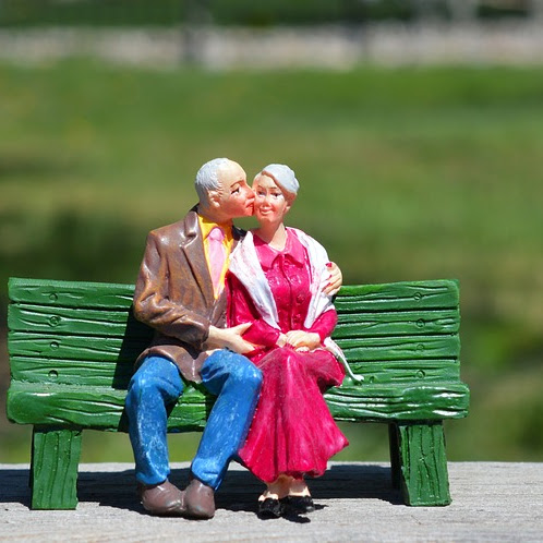 WHAT OUR GRANDPARENTS CAN TEACH US ABOUT HAPPINESS