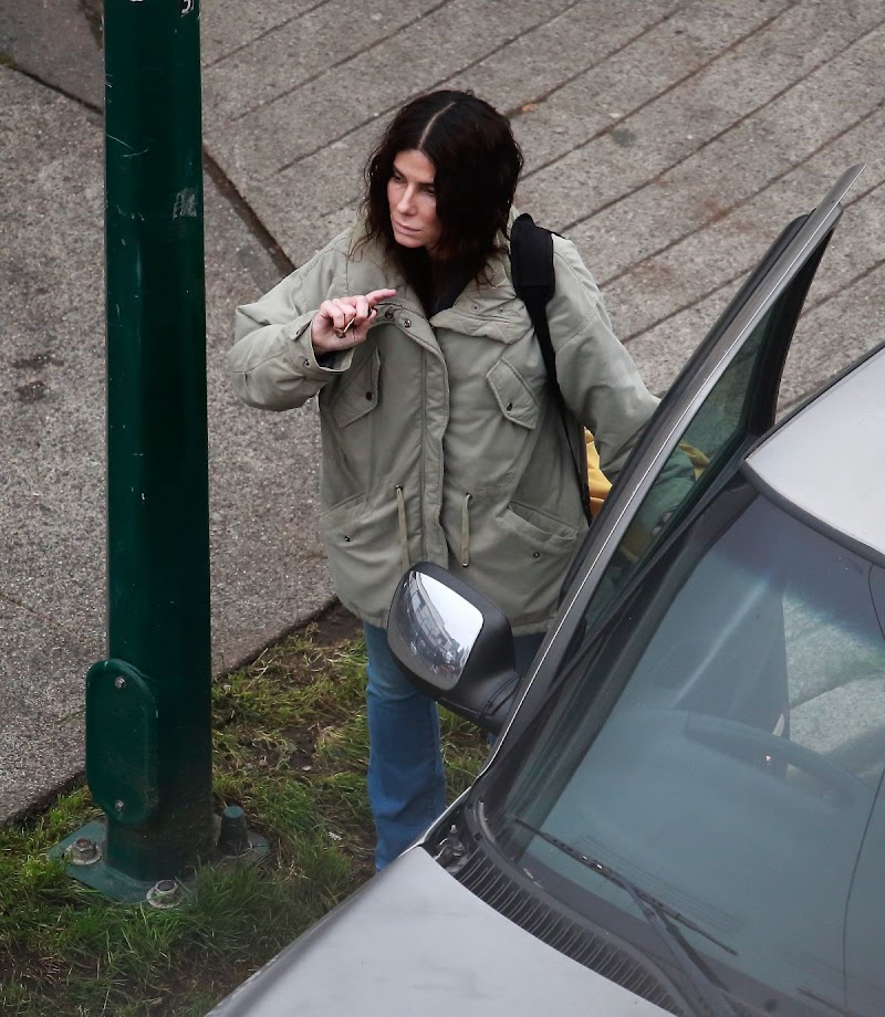 Sandra Bullock Clicked on the Set of a Movie in Vancouver  16 Oct -2020