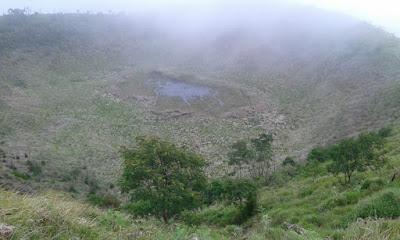 puncak gunung kembang