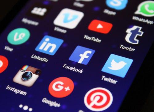 مواقع التواصل ، فيسبوك ، أمريكا ، هجرة ، تأشيرة ، جواز سفر ، الفيزا ، قرار ، السفر ، الولايات المتحدة ، تامبلر ، وسائل التواصل الإجتماعي