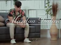 Arti lagu (Terjemahan) Mardua Dalan - Jen Manurung