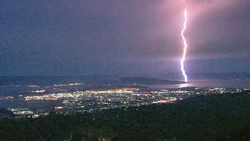 lightning strike in California