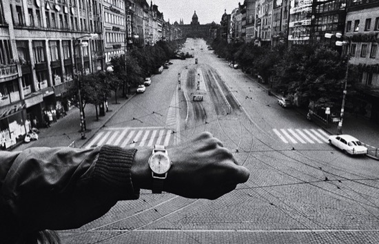 La invasión de Praga. Foto de Josef Koudelka (1968)